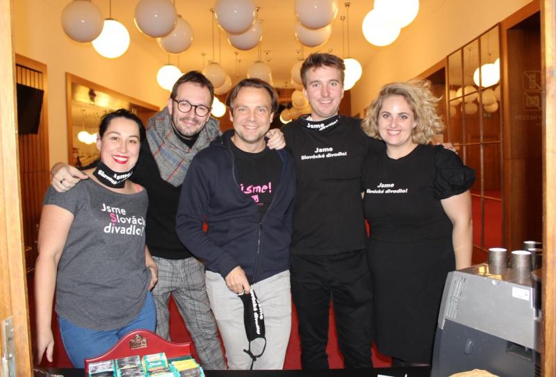 U hladového herce obsluhovaly oblíbené tváře Slováckého divadla. Foto: Pavel Bohun