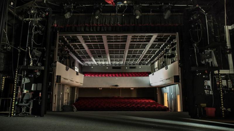 Diváci podpořili divadelníky díky pomyslnému představení