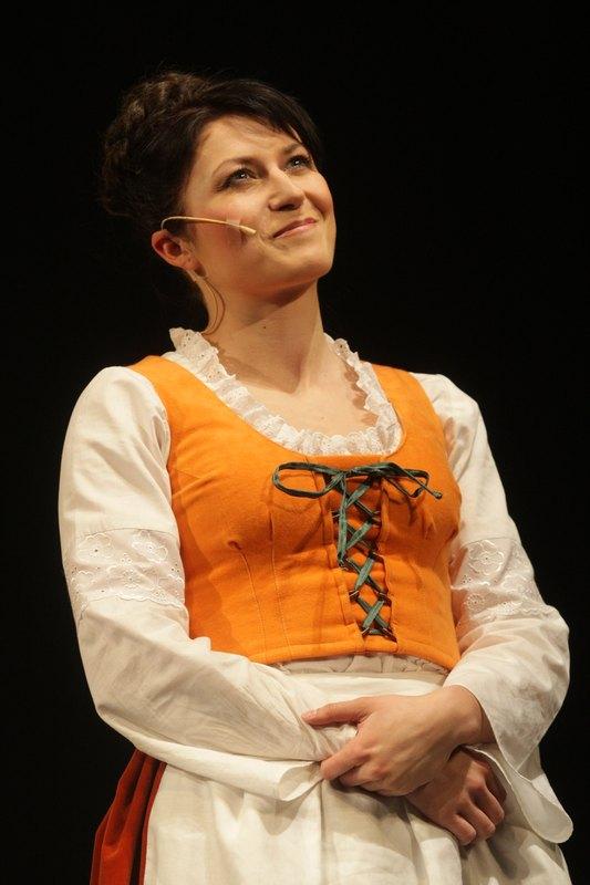 jako Dorota Tyburcová v komedii Dalskabáty hříšná ves aneb Zapomenutý čert - foto Jan Karásek