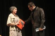jako Barbora Beranová v komedii Pohřbívání aneb Zítra se bude pohřbívat všude, vpravo J. Kubáník (Jindřich Schwarz) - foto Jan Karásek