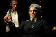 jako šílený vědec Rupert von Kratzmar v muzikálu Adéla ještě nevečeřela, vlevo Pavel Majkus (policejní ředitel baron Franc von Kaunitz) - foto Milan Zámečník