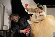 jako starý Kaliba v dramatu Kalibův zločin, vpravo Jitka Josková (Karla) - foto Jan Karásek.JPG