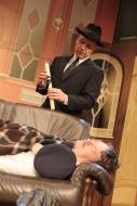 jako Mr Forbright v komedii Nájemníci, dole Pavel Hromádka (Uncle George) - foto Jan Karásek