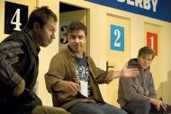 jako Carl v inscenaci Večer na psích dostizích, vlevo J. Kubáník (Lionel), vpravo M. Hudec (Danny) - foto Marek Malůšek