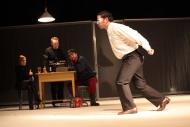 jako Marek v inscenaci Denní dům, noční dům, vzadu Alžběta Kynclová (Aśka), Tomáš Šulaj (Tomek), Petr Čagánek (Bartek Bobol) - foto Jan Karásek