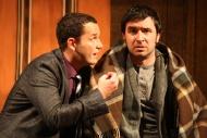 jako Norman Bassett v komedii Nájemníci, vlevo Jiří Hejcman (Eric Swan) - foto Jan Karásek