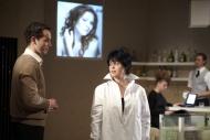 jako umělecká fotografka Conti v dramatu Emilia Galotti, vlevo Jiří Hejcman, vpozadí Andrea Nakládalová a Jan Horák - foto Petr Krejčí