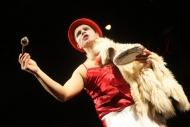 v jedné z mnoha rolí v komedii 39 stupňů - foto Jan Karásek