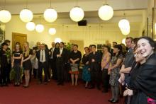 Diváci na zahájení výstavy výtvarného oboru žáků ZUŠ UH - Herec a jeho světy